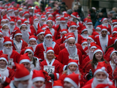 Santa Dash Clontarf, Dublin is back so it's time to get your Santa Suit out and support Santa Dash Dublin and raise money for good Claus!  This fun run event is ideal for adults and children.